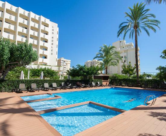 Los Robles, hoteles en Oliva