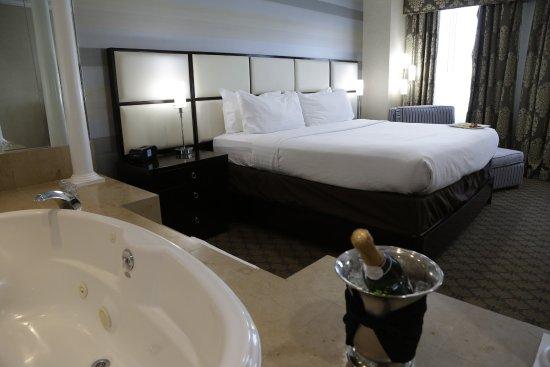 Plainview, NY: Bridal Suite
