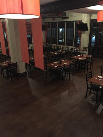 South Shore Bar & Grill: inside restaurant