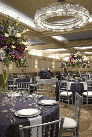 Sunset Hills, MO: Your Dream Wedding Within Reach
