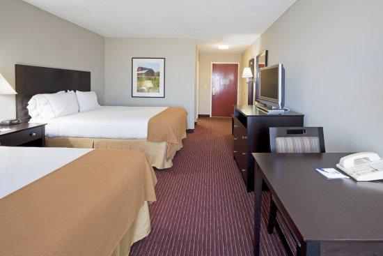 New Haven, IN: Queen Bed Guest Room