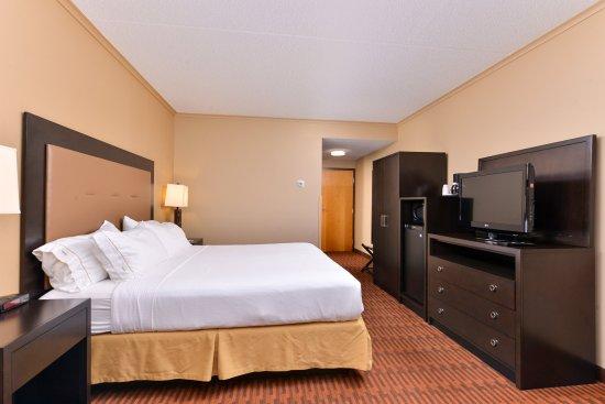 Breezewood, PA: King Room