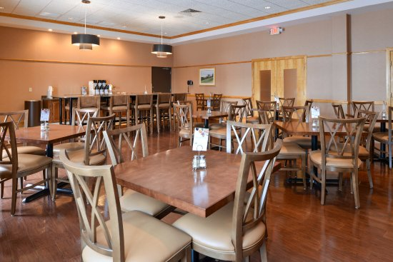 Breezewood, PA: Breakfast Bar Dining Area