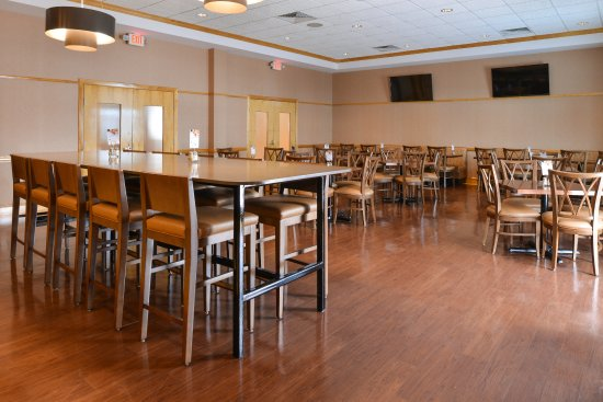Breezewood, Pensilvania: Breakfast Bar Dining Area