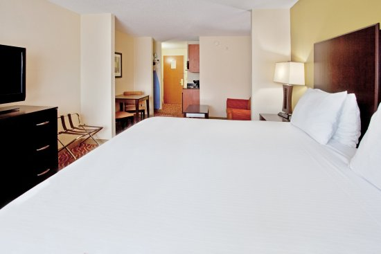 Anderson, SC best King Bed suite at exit 19B near Clemson.