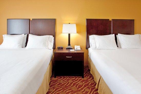 Anderson, SC squeaky clean standard 2 queen beds hotel room