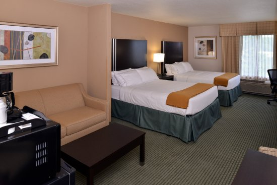 Holiday Inn Express Hotel & Suites Milwaukee-New Berlin
