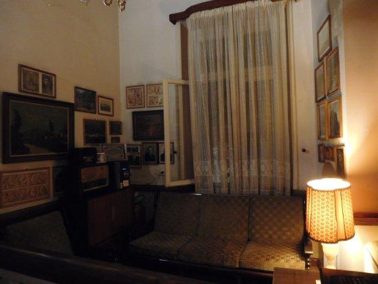 Hotel Acropolis House: Salottino con pc a disposizione
