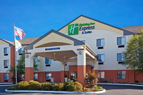 Holiday Inn Express Hotel Suites Muncie 93 1 0 2 Updated 2018 Prices Motel Reviews In Tripadvisor