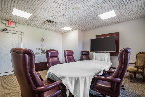 Quality Inn & Suites Albany Airport: Meeting Room