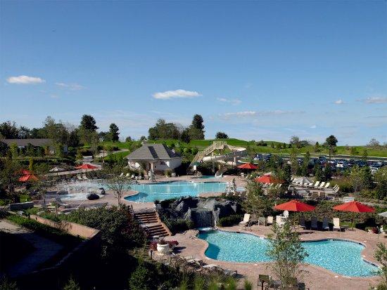 Leesburg, VA: Lansdowne_Amenities_Outdoor_Pool_Complex