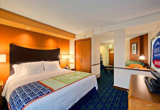 Oxford, AL: King Suite Sleeping Area