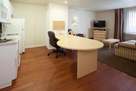 Round Rock, TX: One-Bedroom Suite Kitchen / Living Room