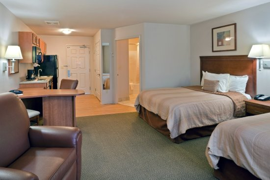 Lacey, WA: Comfortable Double Bed Studio Suite