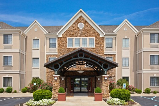 Staybridge Suites Louisville East : Hotel Exterior