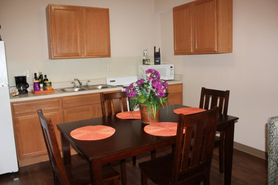 Cleveland, TN: 1 Bedroom Dining Area