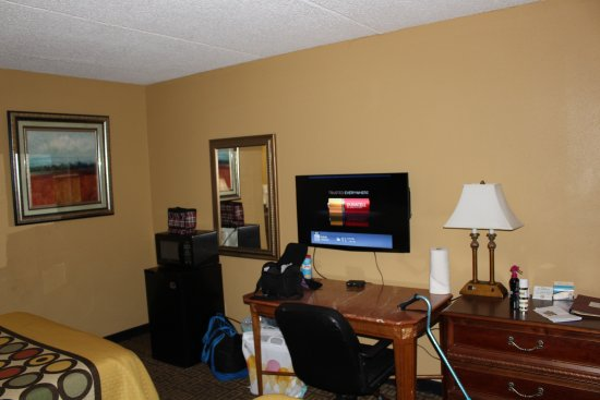 Milledgeville, GA: Frig, Microwave, free wifi