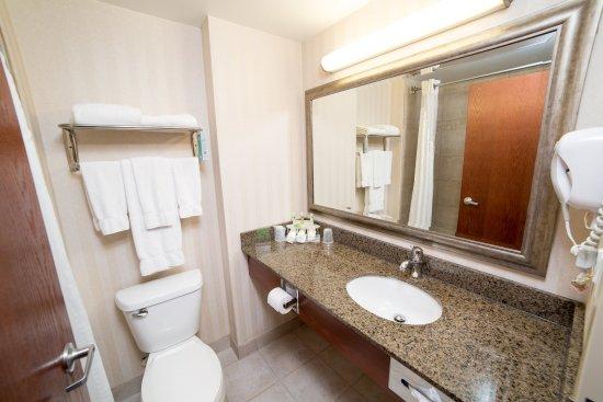 Drayton Valley, Kanada: Guest Bathroom