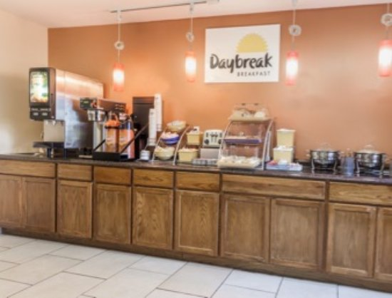 Imlay City, MI: Breakfast Area