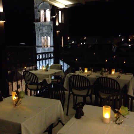 mysig restaurang i gamla stan
