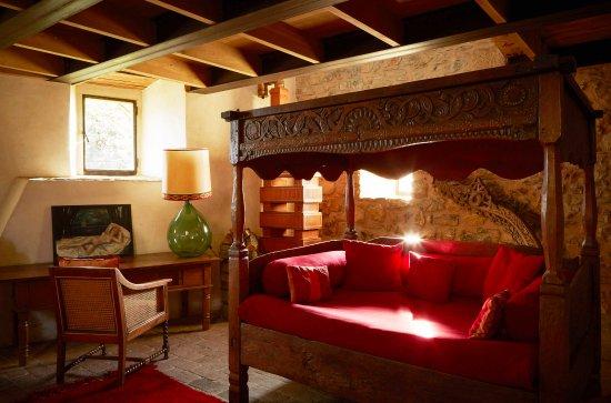 Cinigiano, Włochy: Castello Di Vicarello - Guest Room