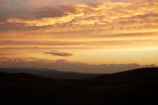 Cinigiano, Italien: Tuscan sunset Views