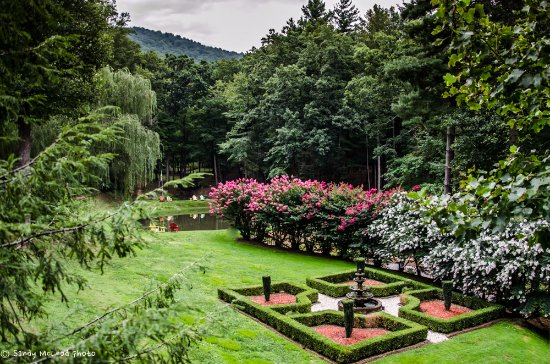 Asheville Cabins of Willow Winds: The Formal Gardens