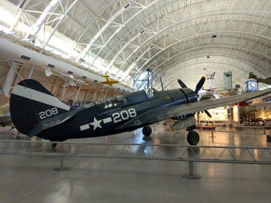 แชนทิลลี, เวอร์จิเนีย: Bombardero en picado Curtiss SB2C