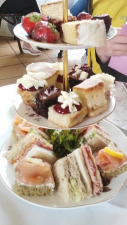 Rathfarnham Castle: Wonderful afternoon tea. Must make a reservation.