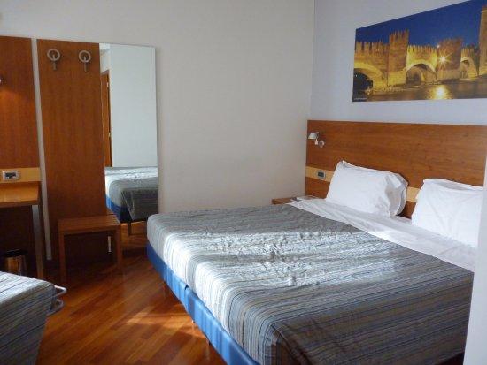 Letto Matrimoniale A Verona.Letto Matrimoniale Picture Of Hotel Fiera Verona Tripadvisor