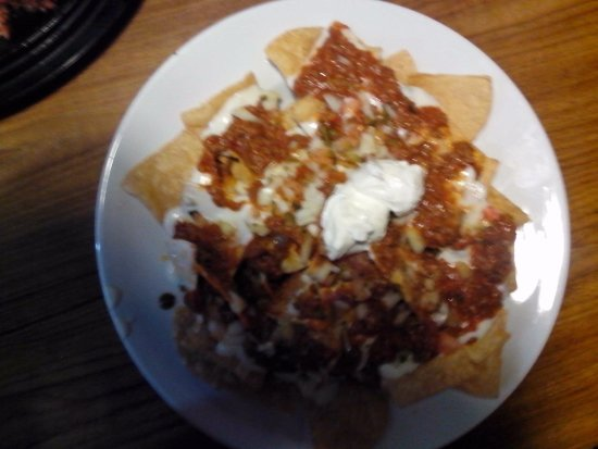 Dededo, Νήσοι Μαριάνες: This was a generous serving of Zesty Nachos with plenty of toppings.