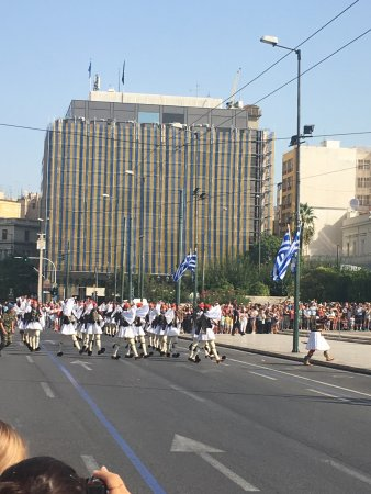 Alimos, Grecia: Changing of the Guard