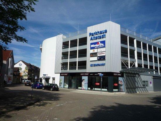 Herford, Deutschland: Parking Garage