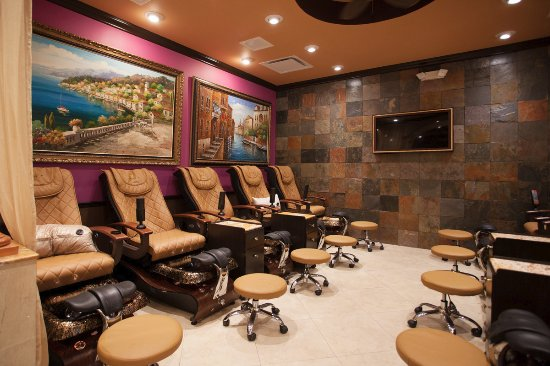 Jupiter, Φλόριντα: Comfortable massage pedicure chairs, we use liners and disposable files/buffers per clients