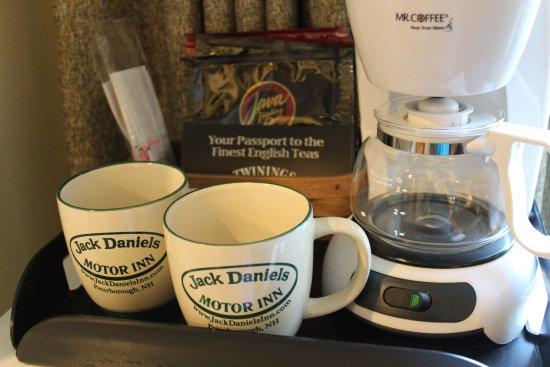 Peterborough, Nueva Hampshire: Coffee and tea service in your room