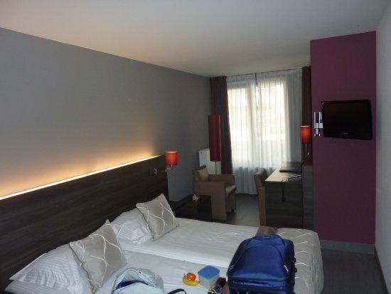 """Casino Hotel: Een """"kleine"""" kamer."""