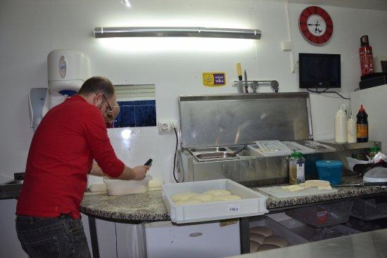 La Pelle du Goût : le cuistot au travail