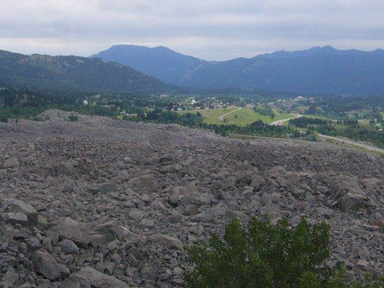 Crowsnest Pass, Kanada: Frank Slide: Partie du glissement ayant remonté l'autre versant