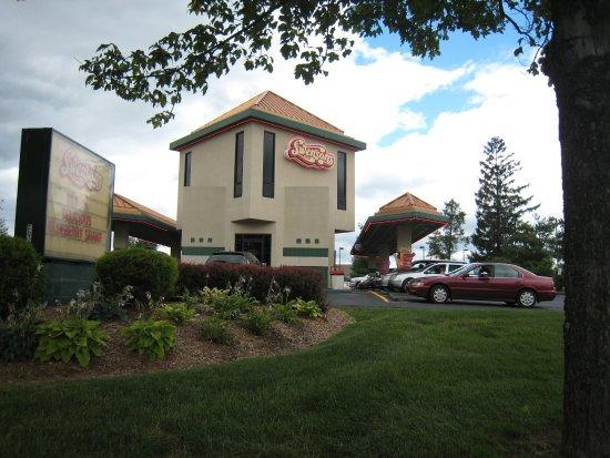 Akron, OH: Swensons Montrose