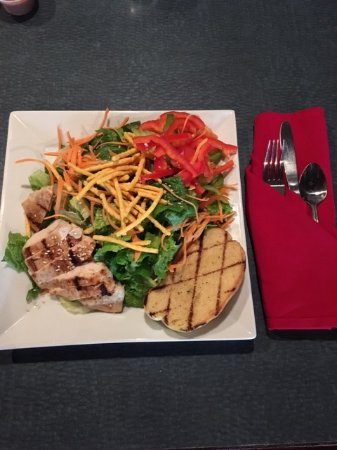 Lloydminster, Canada : Thai Chicken Salad
