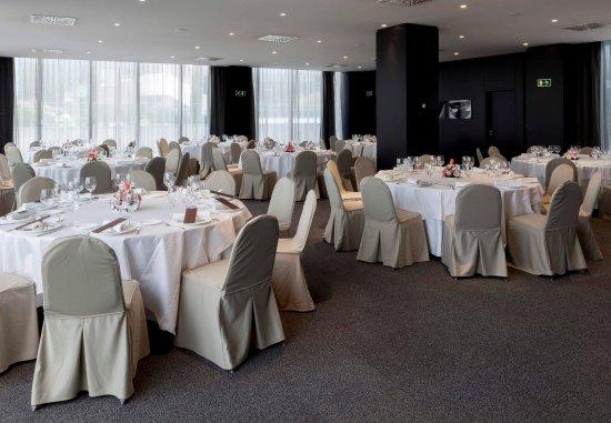 Pozuelo de Alarcón, España: Gran Forum – Social Event Setup