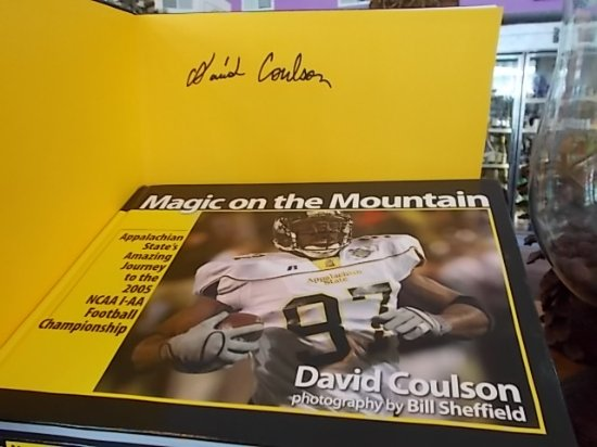 """Banner Elk, Carolina del Norte: """"Magic on the Mountain"""" signed by Author David Coulson"""