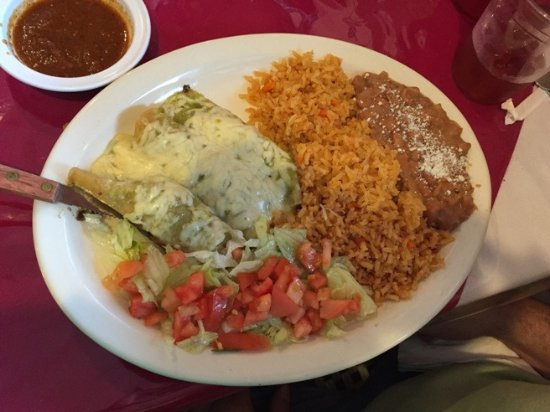 Des Plaines, IL: The enchilada special (not on the regular menu)