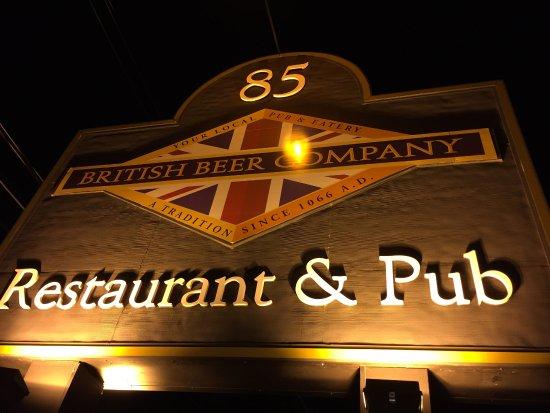 Walpole, MA: Entrance to British Beer Company