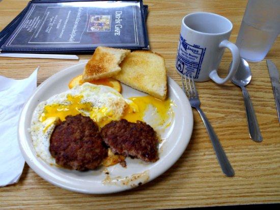 Augusta, Мичиган: Eggs, Sausage and toast
