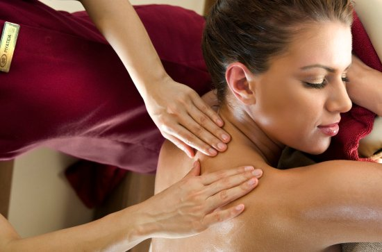 Crowne Plaza Hotel Dubai: Crowne Fitness offers wide range of relaxing massage