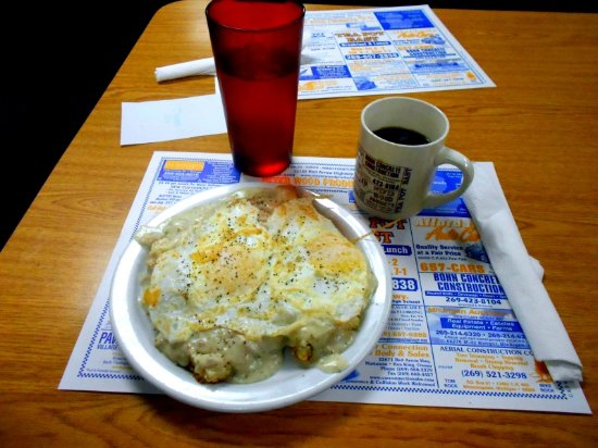 Paw Paw, MI: Biscuits and Gravy with 2 eggs on top