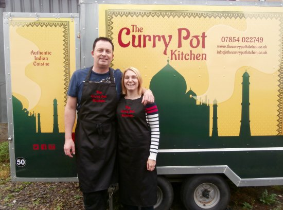 Braunton, UK : Johnny & Jaime of The Curry Pot Kitchen