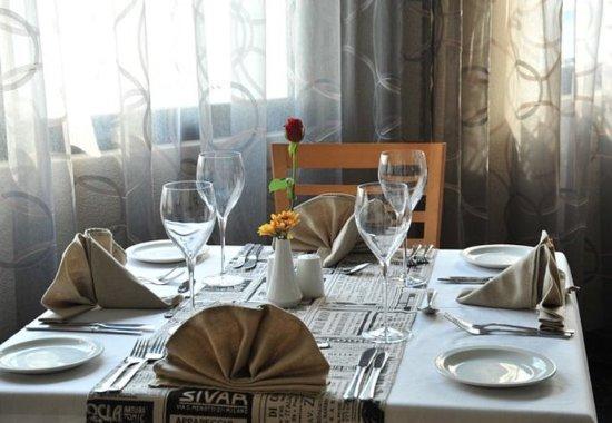 Midrand, Sudáfrica: Restaurant – Table Setting