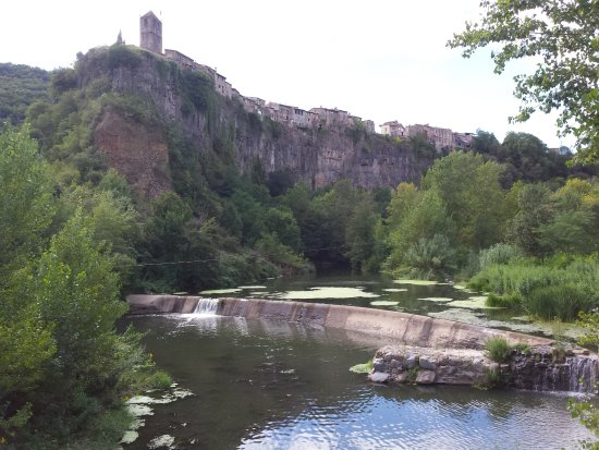 Castellfollit de la Roca, España: Vista desde el puente